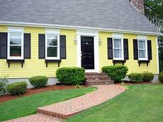 yellow exterior paint scheme in 2020 house paint exterior exterior paint colors for house
