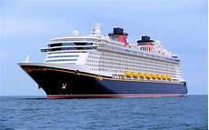 five things to know about disney cruise line s dream cruise ship travel leisure