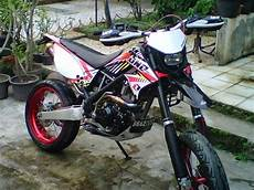Modifikasi Klx Supermoto by Modifikasi Motor Kawasaki Klx 150 Ala Supermoto 3