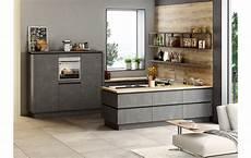 Küche U Form - schlichte u k 252 che mit grifflosen fronten in stahl dunkel