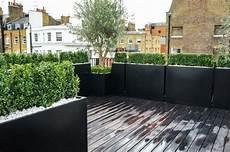 terrasse gestalten in modernen zeiten mit pflanzen