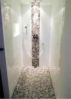 Mosaik In Der Dusche - gefliestes duschelement mit mosaik begehbare duschen