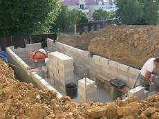 Construire Sa Cave Mur Humide Cave Enterr 233 E Id 233 E D 233 Coration