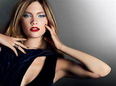 Model World by Top 10 Models In The World 2015