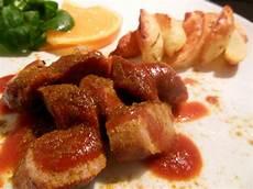 Kulinarikus Currywurst Mit Barbecuesauce Und Ofenkartoffeln