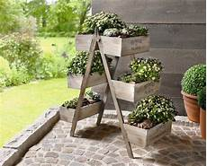 14 Marvelous Ideas For Using Ladder In Your Garden