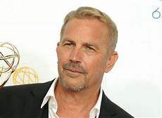 photo kevin costner kevin costner seals return with shadow recruit canada