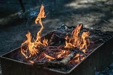 kostenlose foto holz rauch lebensmittel flamme feuer