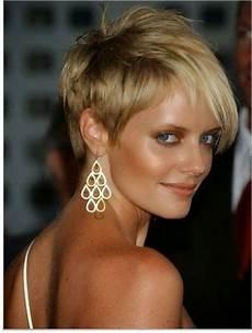coiffure tendance cheveux courts 2015