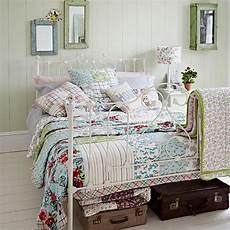 Bett Shabby Look - shabby chic bedrooms ideal home