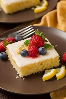 lemon sheet cake cooking