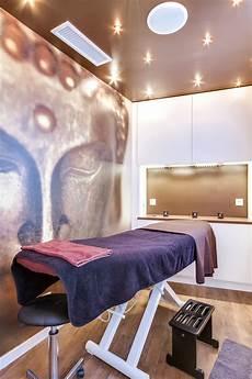lieu intime pour r 233 novation totale d un salon de coiffure cabine