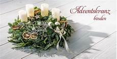 adventskranz binden weihnachten t 252 rkranz weihnachten