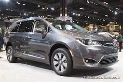 US News Singles Out 2018 Chrysler Pacifica Hybrid As One