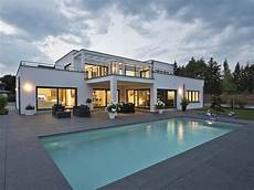 Luxusvilla Im Bauhaus Stil Weberhaus Luxus Villa