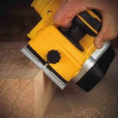 dewalt dcp580b 20v max brushless 3 1 4 quot planer bc fasteners
