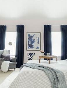 Bedroom Ideas With Curtains by Hang Heavy Curtains How To Make Your Bedroom Cozy