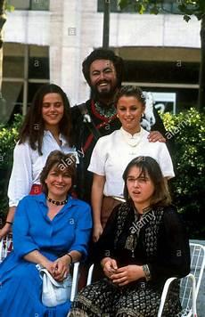 Luciano Pavarotti With His Adua Veroni And The Three