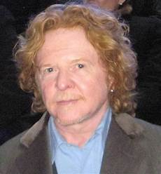 male singer with red hair at the 2015 grammys opiniones de mick hucknall