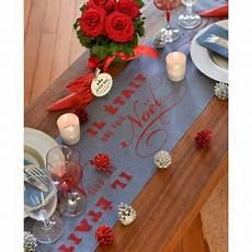 chemin de table de noel chemin de table de no 235 l bleu et chemin de table
