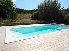 piscine modeles et prix mod 232 le de piscine coque polyester avec banquette et bloc