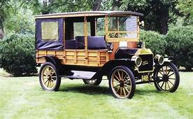 1913 Model T Ford Has Dramatic Wood Body  Houston Chronicle