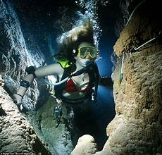 deep dark and dangerous incredible pictures from martin farr britain s best cave diver