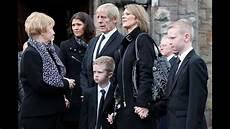 Familia De Paul Walker En Funeral Family On Paul Walker