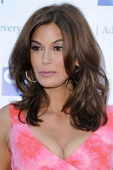 25 easy medium length hairstyles and haircuts for 2017 how to style mid length hair