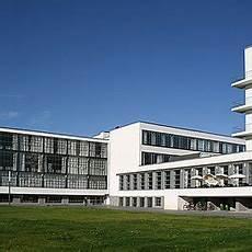 bauhaus building by walter gropius 1925 26 bauhaus