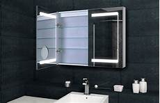 spiegelschrank bad mit beleuchtung und steckdose design spiegelschrank mit verdeckter led 100x70 cm mit
