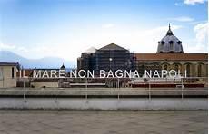 il mare non bagna napoli seraillon an early ortese the sea doesn t bathe naples