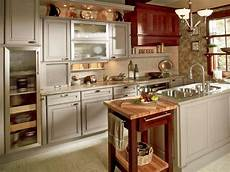Best Cabinet Color For Small Kitchen