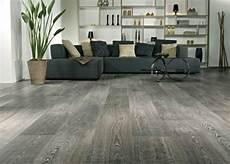 Grauer Boden Wohnzimmer - 120 raumdesigns mit holzboden