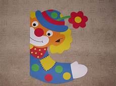 basteln fasching fenster fensterbild tonkarton clown fenstergucker karneval karneval basteln kindern clown basteln und