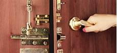 changer serrure porte changer de porte d entr 233 e ou la renforcer s 233 curit 233 voisins vigilants