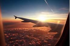 Gambar Awan Dari Jendela Pesawat Gambar Kelabu