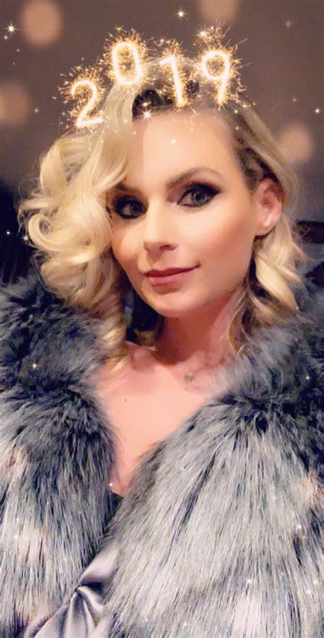 Phoenix Marie Twitter