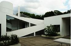 Le Corbusier By Corinne Magarry Designhistorykingscliff
