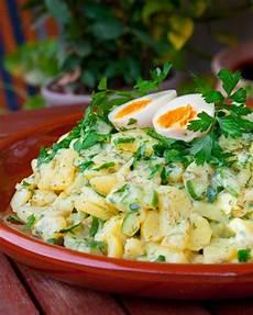 Kartoffelsalat Mit Ei - kartoffelsalat mit gurken und ei essen salat