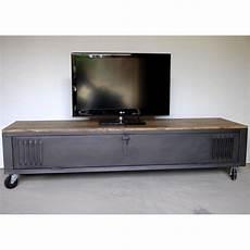 meuble t 233 l 233 en metal et bois industriel d 233 co interieur