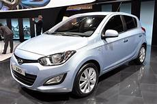 hyundai i20 style 2012 hyundai i20 boasts sleek style top notch efficiency