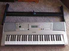 yamaha portatone psre313 electronic keyboard for sale in