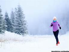 joggen im winter die besten tipps f 252 r einen coolen winterlauf