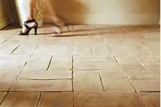 cotto pavimento come pulire il pavimento in cotto pulizia cotto