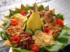 Cara Membuat Nasi Tumpeng Lengkap Untuk Acara Istimewa