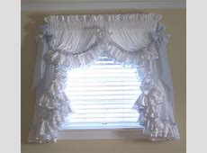 Decor: Awesome Window Decoration With Priscilla Curtains