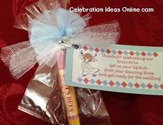 bridalshower favor to make yourself using lip gloss or a
