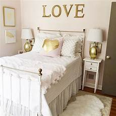 White Pink And Gold Bedroom Ideas by We This Gold And White Themed Bedroom Designed By