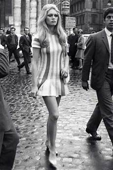 retro mode der look der 70er stil ikone uschi obermaier